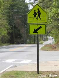 SRTS Guide: School Advance Warning Signs and School